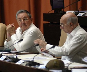 Anuncia Raúl Castro actualización de política migratoria (+ Video)