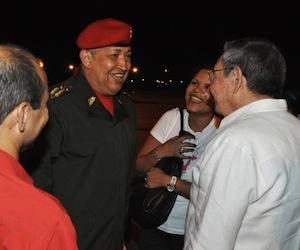 Llegada de Chávez a La Habana, el 6 de agosto pasado. Foto: Estudios Revolución