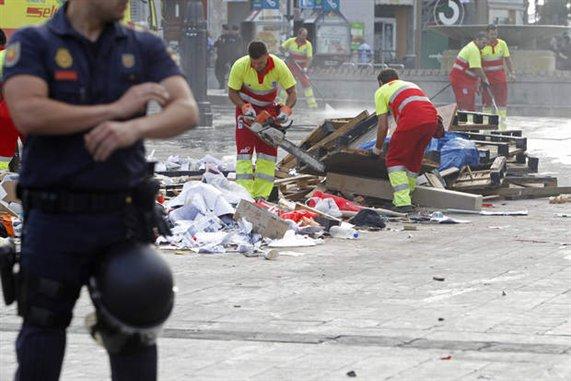 espana-crisis-protestas-desalojo-indignados-040x381-l
