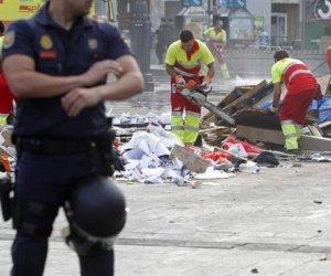 Desalojo en España: la gente no puede pagar el alquiler de sus viviendas y son violentamente desalojados.