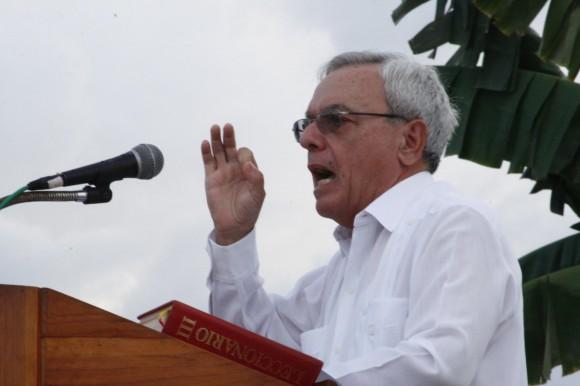 Eusebio Leal comunicó la decisión de declarar Monumento Nacional a La Cruz de Parra. Foto: Jorge Legañona