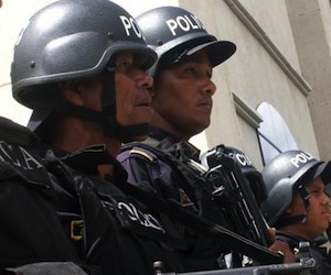 http://www.cubadebate.cu/wp-content/uploads/2011/08/honduras-personas-hombres-armados-10302641.jpg