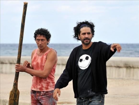 """Entre los géneros de comedia, acción y terror, """"Juan de los muertos"""" cuenta la historia de una invasión de zombis en La Habana."""