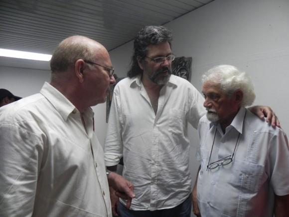 Abel Prieto Ministro de Cultura, Miguel Barnet, Presidente de la UNEAC y Pablo Armando Fernández, al concluir el Encuentro. Foto: Marianela Dufflar