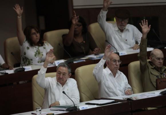 Raúl Castro en la Asamblea Nacional, el 1 de agosto de 2011. Foto: Ismael Francisco