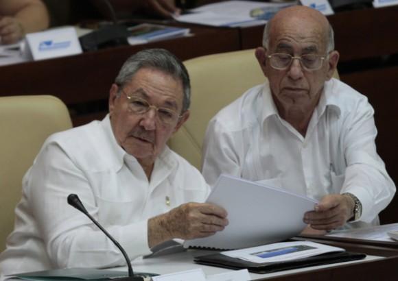 Raúl Castro y JosAsamblea Nacional del Poder Popular, de Cuba, el 1 de agosto de 2011. Foto: Ismael Francisco