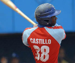 Rusney Castillo se hizo espacio en el grupo de outfielders