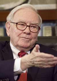 Warren Buffett, presidente ejecutivo de Berkshire Hathaway y uno de los hombres más ricos del mundoFoto Ap