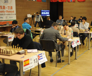 Bruzón (en primer plano) avanzó a la tercera ronda