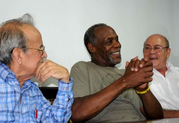 Alarcón, Glover y Barnet. Foto: AFP