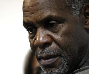 Hacia dónde va la humanidad, se pregunta Danny Glover en Santo Domingo