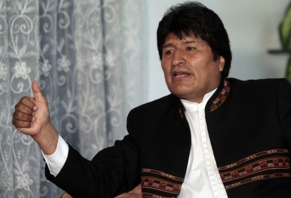 Evo Morales manifiesta admiración por pueblo cubano ante intromisión del Imperio