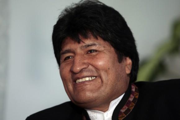 Invertirá Bolivia millones de dólares en obras sociales