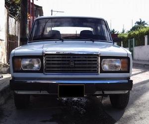 Aumenta traspaso de vehículos y viviendas en Cuba