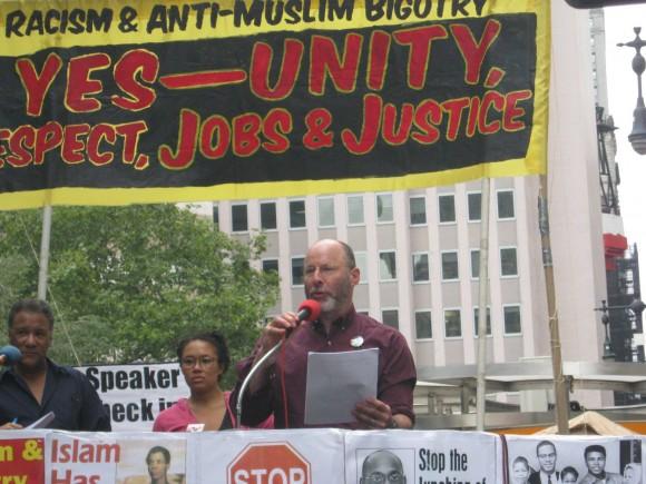 Mitin antibelicista y antirracista en parque de Broadway. Foto: Rafael Hernández