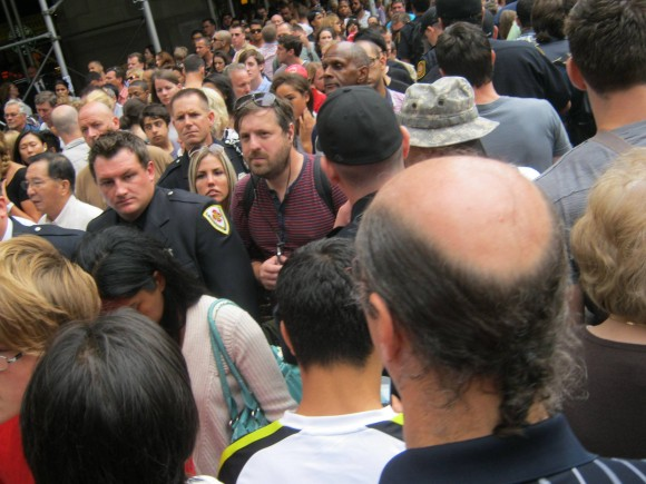 Multitud en la zona restringida Ground Zero. Foto: Rafael Hernández