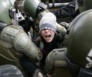 Duras críticas a propuesta de gobierno chileno de penalizar protestas sociales