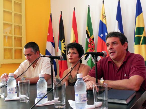 Rafael de la Osa, Director de Cubarte, narró sus experiencias como fundador de la Agencia Soy Cubano de cual fue, durante varios años, Gerente General. Foto Marianela Dufflar