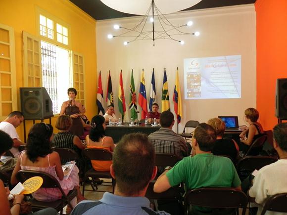 La Agencia SoyCubano de ARTex arriba a su X Aniversario, el 7 de septiembre, la noticia fue dada a conocer a la prensa, en la Casa del ALBA Cultural. Foto Marianela Dufflar