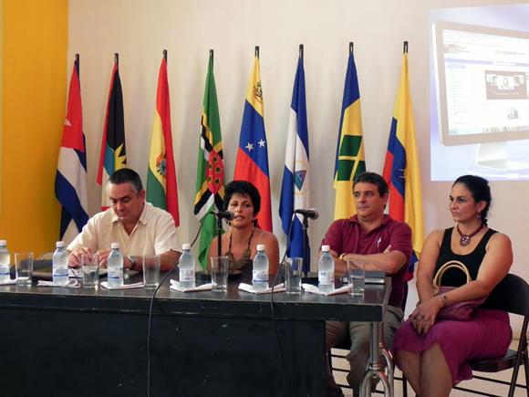 olando Verdes,  Vicepresidente de ARTex, Teresita Espino, Gerente General de Soy Cubano, Rafael de la Osa Director de Cubarte y Migdalia Torres, Vicepresidente de ARTex.  Foto Marianela Dufflar