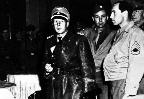 Oficial de las SS Walter Rauff, poco después de ser detenido por los aliados en enero de 1945 en Milán