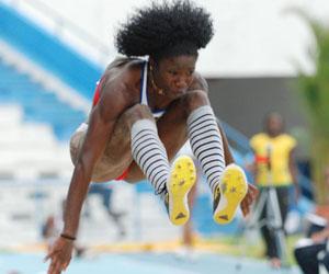 La cubana Savigne gana en triple salto en reunión en sala de Metz