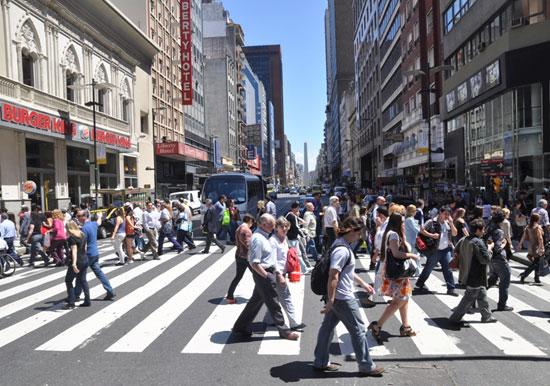 Los argentinos asistieron a las urnas para ejercer su derecho al voto. Foto: Kaloian