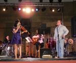"""Silvio Rodríguez, interpretó junto a la ganadora,  """"Insuficiencia de la escala y el iris"""" tema con el que finalizó el concierto. Foto Marianela Dufflar"""