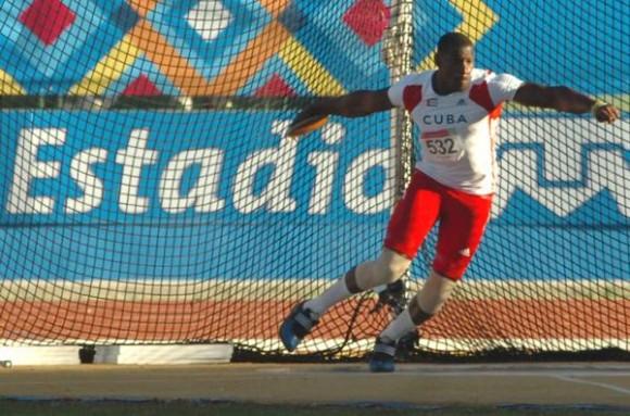 orge Yadian Fernández, obtuvo la medalla de oro en el lanzamiento del disco, en los XVI Juegos Panamericanos, en el Estadio Telmex de Atletismo, en Jalisco, México, el 24 de octubre de 2011. AIN FOTO/Ricardo LOPEZ HEVIA/Periódico GRANMA/mvh
