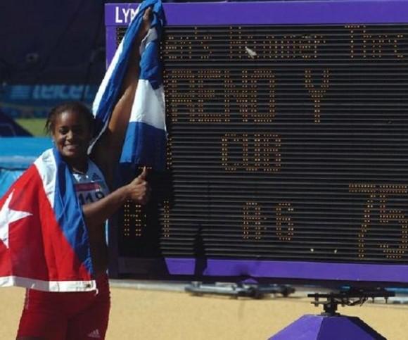La martillista cubana Yipsy Moreno obtiene Medalla de Oro con nuevo record panamericano, en los XVI Juegos Panamericanos, en el Estadio Telmex de Atletismo, en Jalisco, México, el 24 de octubre de 2011. AIN FOTO/Ricardo LOPEZ HEVIA_Periodico GRANMA/mvh