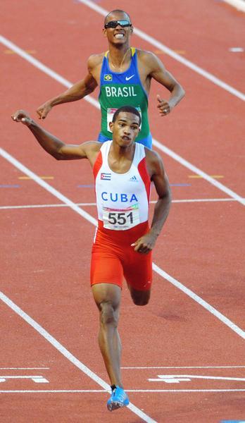 Roberto Skyers, gano la medalla de oro en  200 mp, en los XVI Juegos Panamericanos de Guadalajara, México, el 27 de octubre de 2011. AIN FOTO/Ricardo LOPEZ HEVIA/Periódico GRANMA/mvh