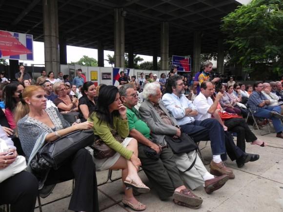 Importantes personalidades de la cultura cubana, asistieron al encuentro con Eusebio Leal. Foto: Marianela Dufflar