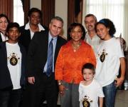 Con la Congresista Bárbara Lee. Foto: Bill Hackwell