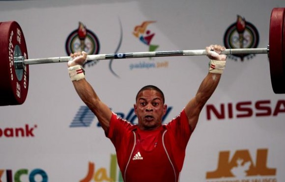 Sergio Álvarez se convirtió en uno de los grandes de las pesas en Juegos Panamericanos con su oro en tres ediciones distintas. Foto: Ismael Francisco