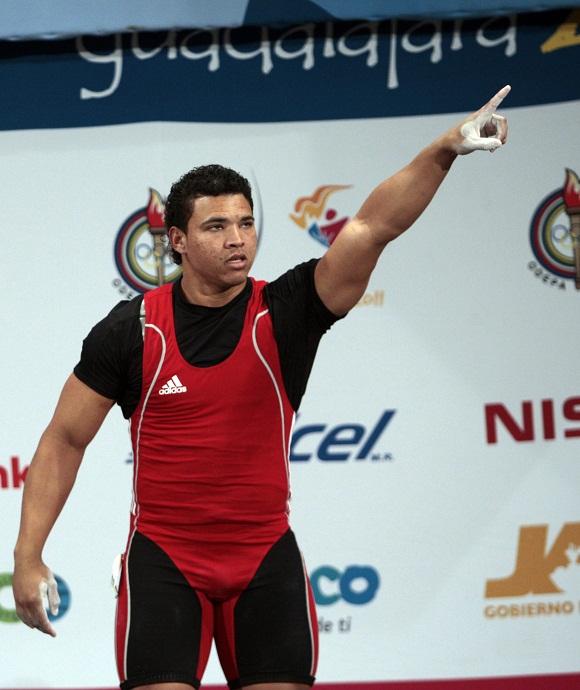Javier Vanega levanta el oro en los 94 kg de Halterofilia Foto: Ismael Francisco