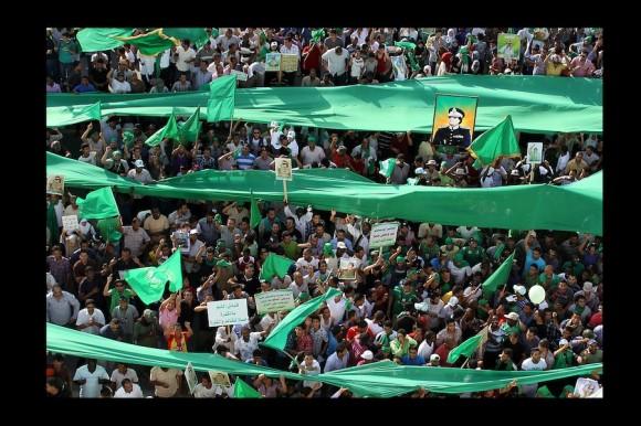 ¨Allahakbar¨ (Dios es lo más grande). Viernes de rezos. (Trípoli, Julio 2011)