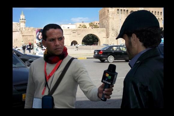 Rolando Segura reportando desde Libia.