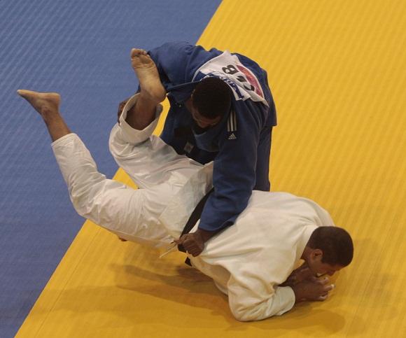 Oro para el judoca cubano Oscar Brayson, en mas de 100 kg. Foto: Ismael Francisco