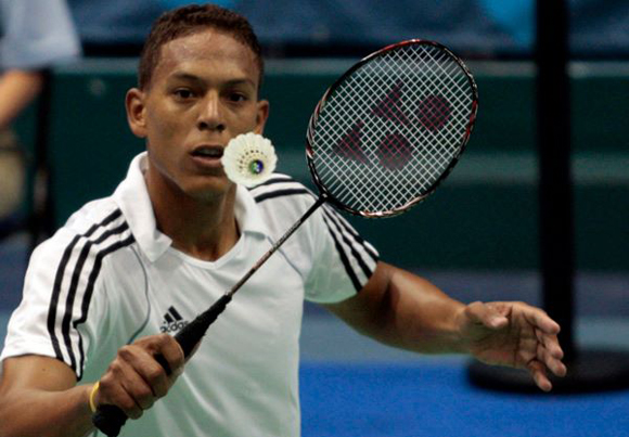 Le joueur de badminton cubain Guerrero participe au Tournoi International du Mexique