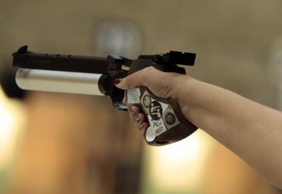 Tiro femenino con pistola aire de 10m de los juegos panamericanos de Guadalajara. Foto: Ismael Francisco