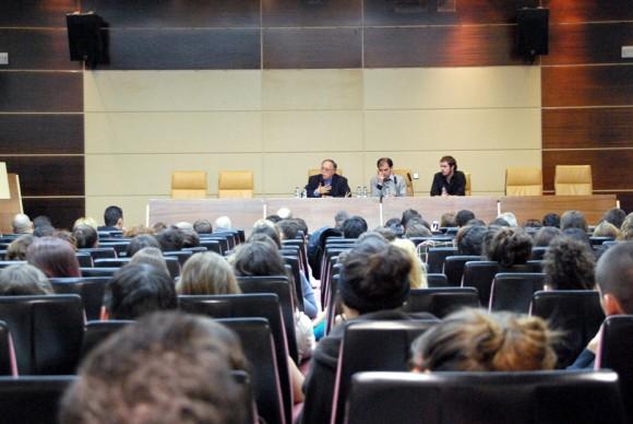 Presentación del caso de Luis Posada Carriles en la Complutense de Madrid. Foto: Embajada de Venezuela en España