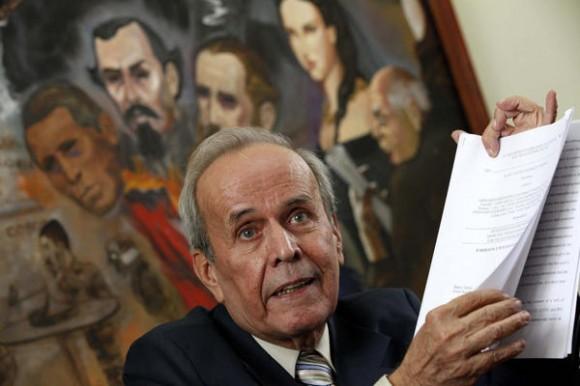 Ricardo Alarcón de Quesada, presidente de la Asamblea Nacional del Poder Popular, en el   VI Encuentro de Solidaridad con Cuba, en Mexico , el 8 de octubre de 2011. AIN FOTO