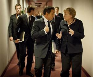 La canciller alemana, Angela Merkel (d), y el presidente de Francia, Nicolás Sarkozy. Foto:EFE