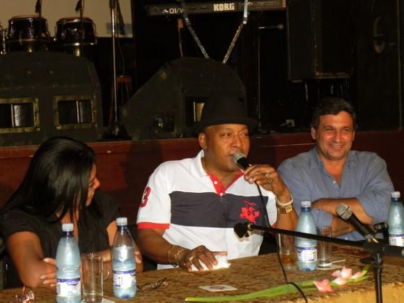 Elsida González, Directora de Música de la EGREM, José Luis Cortes y  Rafael González Vázquez Subdirector de la EGREM. Foto. Marianela Dufflar
