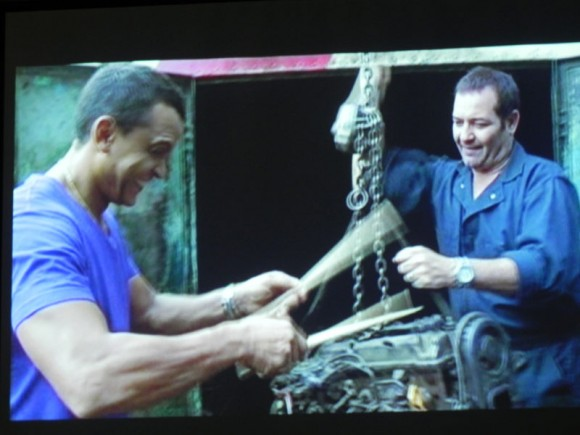 "Imágenes del vídeo clip  de "" La Maquinaria"" de Ian Padrón. Foto. Marianela Dufflar."