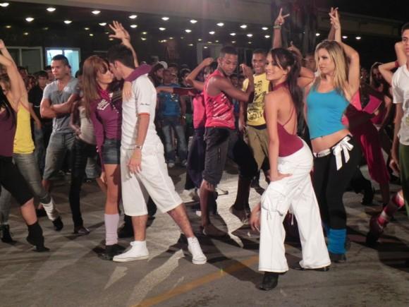 Entre los atractivos de la Gala, estuvieron las actuaciones del Ballet de la Televisión  Cubana que unido, a estudiantes de la Escuela Nacional de Arte, tuvieron a su cargo la apertura. Foto. Marianela Dufflar