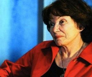 Rinden homenaje a Danielle Mitterrand en París