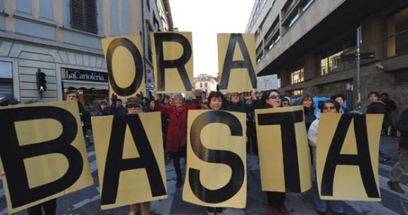 italianos-piden-renuncia-berlusconi