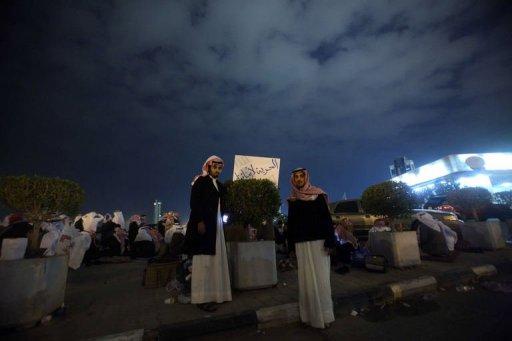 """Unos opositores kuwaitíes piden """"Libertad para nuestros hijos"""" (Foto: AFP, Yasser Al-Zayyat)"""
