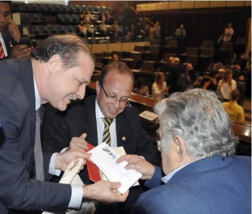 De derecha a izquierda: Mujica; Villaverde y Haesbaert